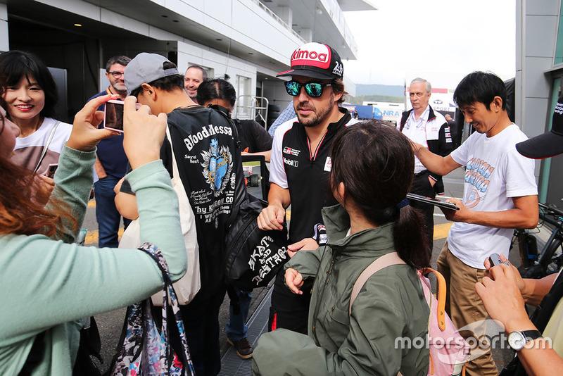 Fernando Alonso, Toyota Gazoo Racing con fans