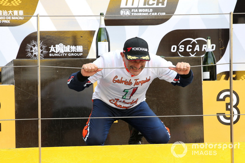 Podio: il Campione Gabriele Tarquini, BRC Racing Team Hyundai i30 N TCR