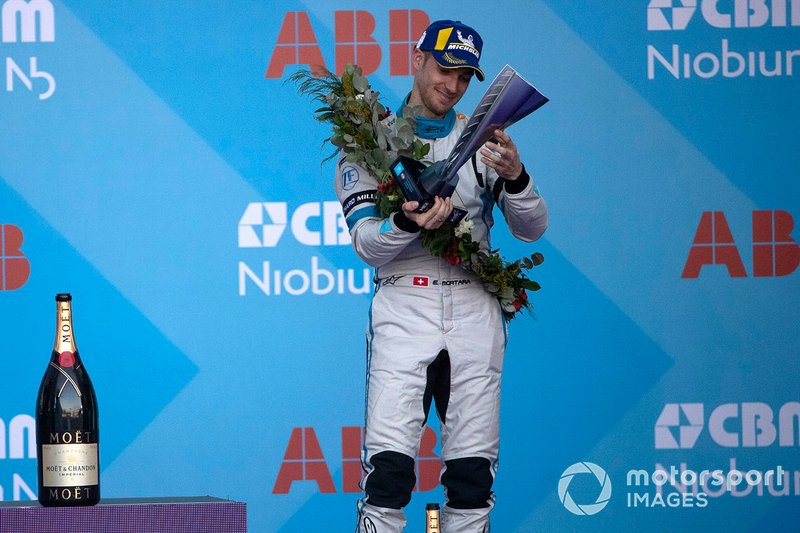 Edoardo Mortara, Venturi Formula E receives his 3rd position trophy on the podium