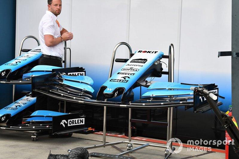 Williams FW42, ön kanat