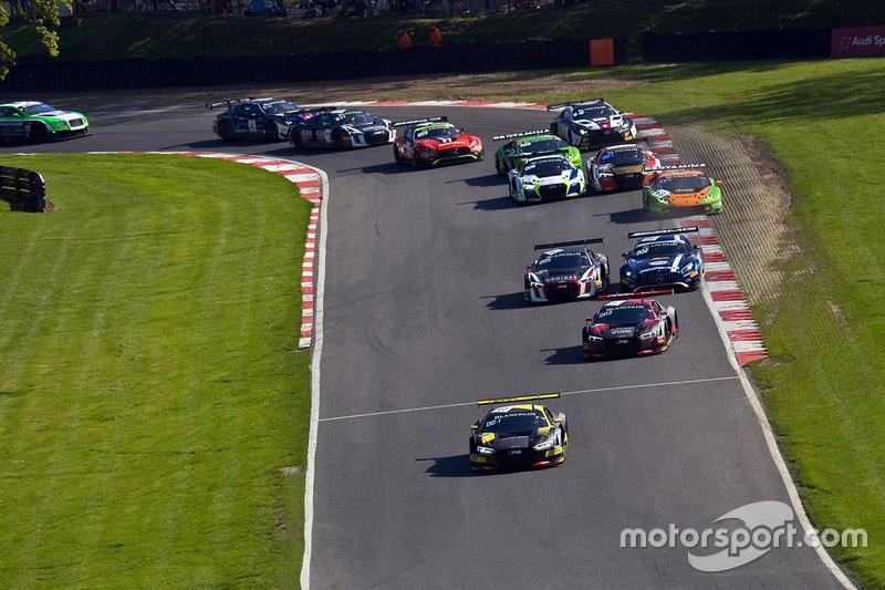 Arrancada #17 Team WRT Audi R8 LMS: Stuart Leonard, Frederic Vervisch líder