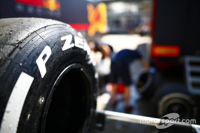 Dettaglio di uno pneumatico Pirelli