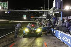 #15 3GT Racing Lexus RCF GT3, GTD: Jack Hawksworth, Scott Pruett, David Heinemeier Hansson, Dominik Farnbacher, pit stop
