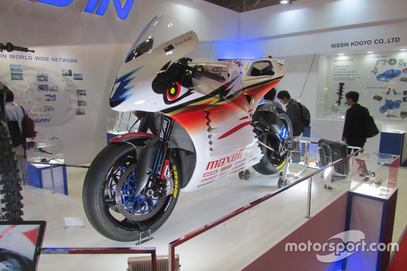 マン島TTレース TTゼロチャレンジクラス・オリジナル電動バイク「神電 六」