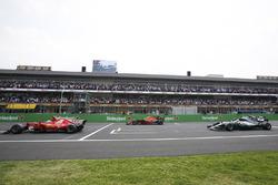 Sebastian Vettel, Ferrari SF70H, Max Verstappen, Red Bull Racing RB13, Lewis Hamilton, Mercedes AMG F1 W08, at the start
