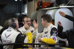 #64 Corvette Racing Chevrolet Corvette C7.R: Tommy Milner, crew