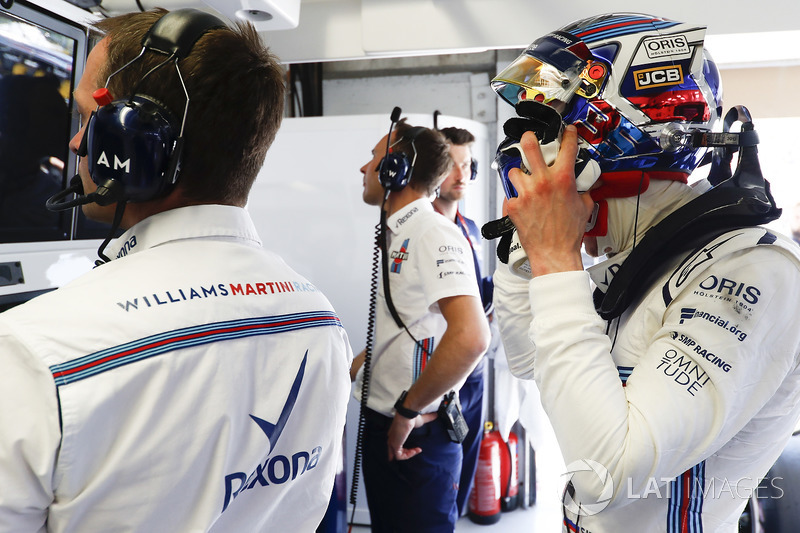 Sergey Sirotkin, Williams Racing, in the garage