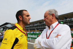 (L to R): Cyril Abiteboul, Renault Sport F1 Managing Director with Frederic Vasseur, Renault Sport F