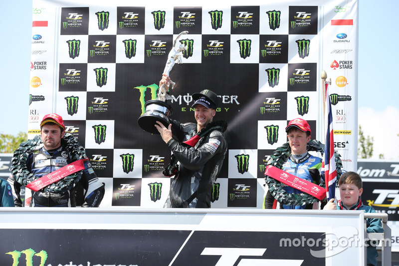Podium: second place Michael Dunlop, Yamaha, race winner Ian Hutchinson, Yamaha, third place Dean Ha