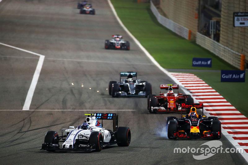 Valtteri Bottas, Williams FW38 y Daniel Ricciardo, Red Bull Racing RB12
