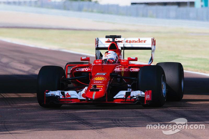 Sebastian Vettel testet die Pirelli-Reifen für 2017