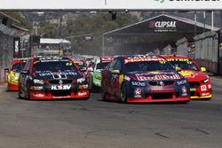 Shane van Gisbergen, Triple Eight Race Engineering Holden leads at the start