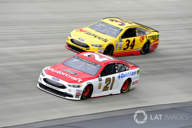 Ryan Blaney, Wood Brothers Racing, Ford; Landon Cassill, Front Row Motorsports, Ford