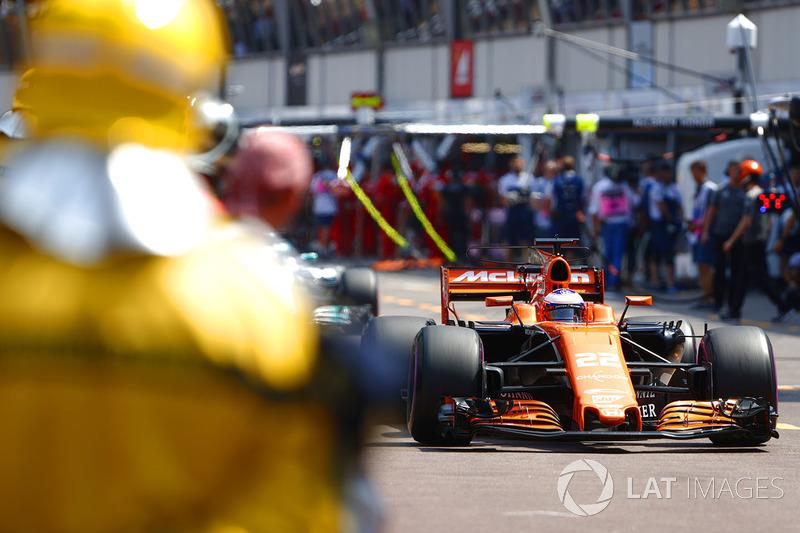 Jenson Button, McLaren: Abandono