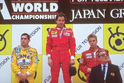 Podium: race winner Gerhard Berger, Ferrari, second place Ayrton Senna, Team Lotus, third place Stefan Johansson, McLaren, with Jean-Marie Balestre, FIA President