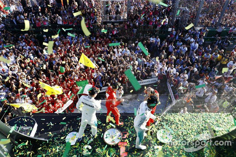 Sebastian Vettel, Ferrari, Luigi Fraboni, Ferrari; Lewis Hamilton, Mercedes AMG F1; Valtteri Bottas, Mercedes AMG F1