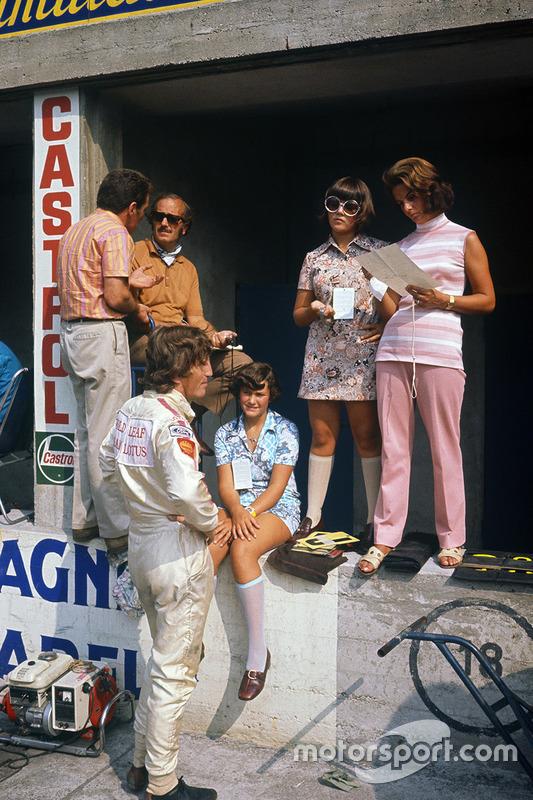 Jochen Rindt, Lotus 72C-Ford y Colin Chapman, Hazel Chapman y sus dos hijas