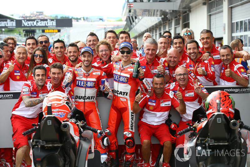 Segundo puesto Andrea Dovizioso, Ducati Team y el tercer puesto Jorge Lorenzo, Ducati Team