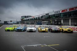 Die Wagen aller Hersteller auf der Start-Zielgeraden
