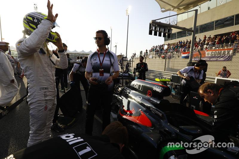 Jenson Button, McLaren en la parrilla