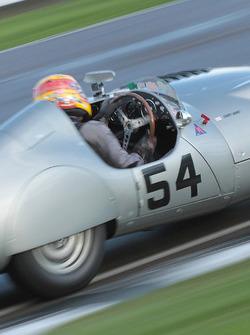 1952 Aston Martin DB3, Rob Hall