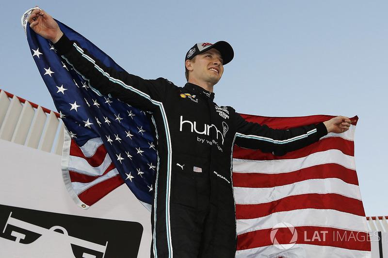 Ньюгарден стал 48-м американсим чемпионом в истории всех «формульных» серий США (IndyCar, CART, USAC, AAA) и восьмым в истории только IndyCar. Его победа стала десятой для американскик гонщиков за 22-летнюю историю IndyCar