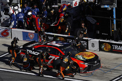 Martin Truex Jr., Furniture Row Racing Toyota, pit stop