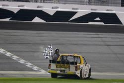 Ganador de la carrera Kaz Grala, GMS Racing Chevrolet