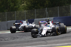 Фелипе Масса, Williams FW40, Карлос Сайнс-мл., Scuderia Toro Rosso STR12, и Лэнс Стролл, Williams FW40