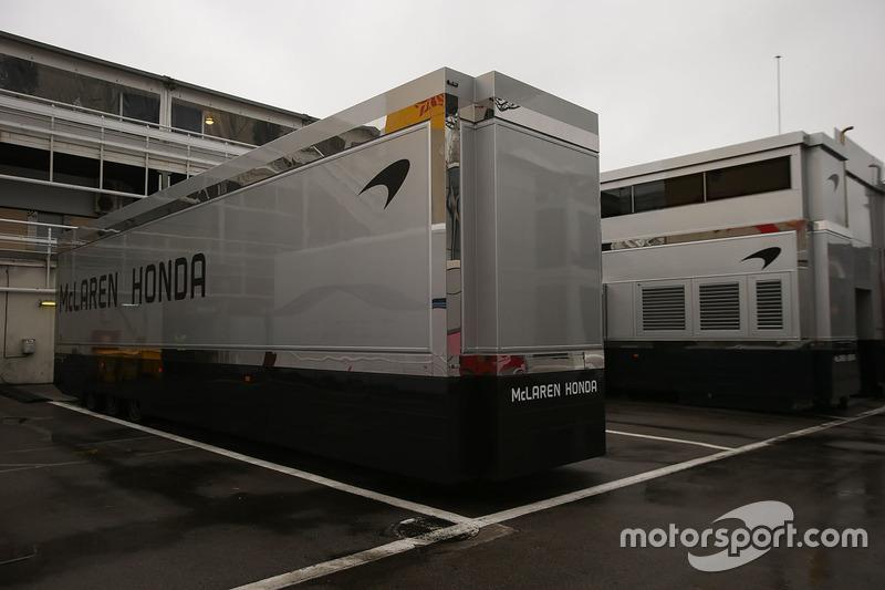 Грузовики McLaren