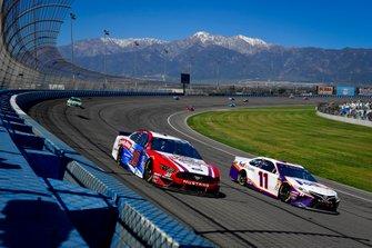 Denny Hamlin, Joe Gibbs Racing, Toyota Camry FedEx Express, Aric Almirola, Stewart-Haas Racing, Ford Mustang Farmer John