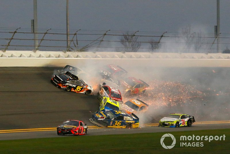 Martin Truex Jr., Joe Gibbs Racing, Toyota Camry Bass Pro Shops, Ryan Blaney, Team Penske, Ford Mustang Menards/Peak, Ryan Newman, Roush Fenway Racing, Ford Mustang Oscar Mayer Deli Fresh and Matt DiBenedetto, Leavine Family Racing, Toyota Camry Procore crash