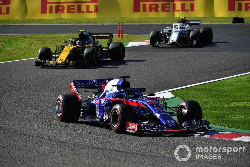 Brendon Hartley, Scuderia Toro Rosso STR13, Carlos Sainz Jr., Renault Sport F1 Team R.S. 18 y Charles Leclerc, Sauber C37