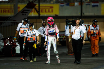 Esteban Ocon, Racing Point Force India, retires from the race