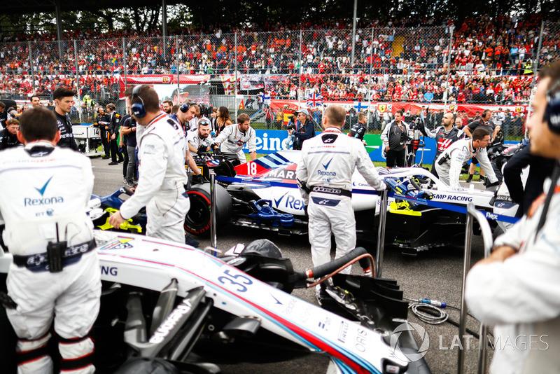 The Williams team on the grid