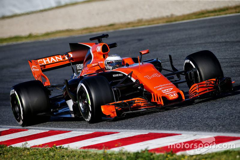 Fernando Alonso, McLaren MCL32 at Barcelona pre-season testing I