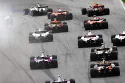 Обломки на трассе; Льюис Хэмилтон, Mercedes AMG F1 W08