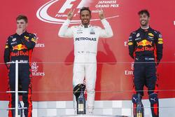 Переможець Льюіс Хемілтон, Mercedes AMG F1, Макс Ферстаппен, Даніель Ріккардо Red Bull Racing