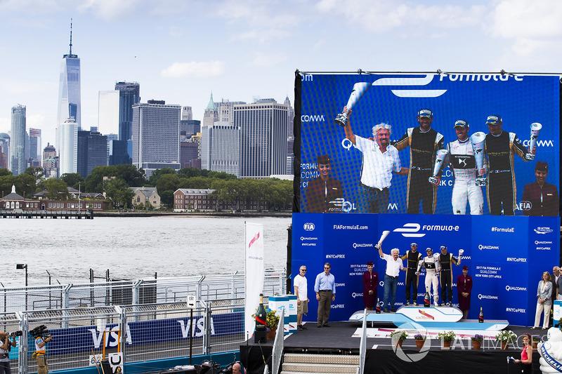 Podium: 1. Sam Bird, DS Virgin Racing; 2. Jean-Eric Vergne, Techeetah; 3. Stéphane Sarrazin, Techeetah