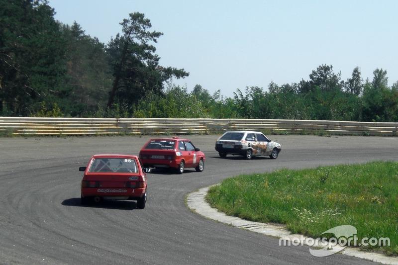 Поляничко, Сінані, Жук - гонка 1