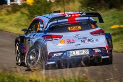 Thierry Neuville, Nicolas Gilsoul, Hyundai i20 WRC, Hyundai Motorsport, mit kaputtem Rad