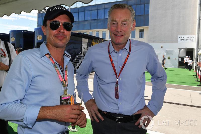 أليكس ميا وشون براتشز، المدير العام للعمليات التجارية