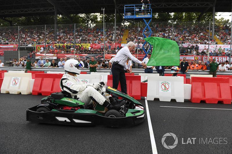 Karting and green flag