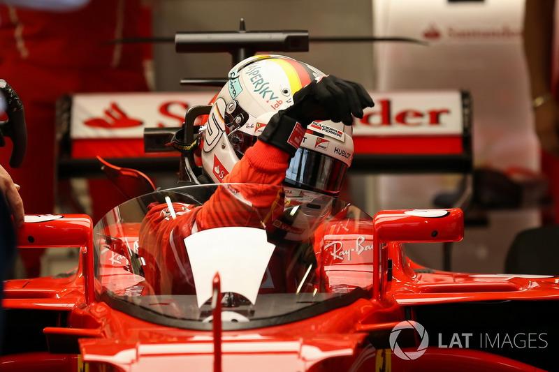 Auto von Sebastian Vettel, Ferrari SF70H, mit Cockpitschutz Shield