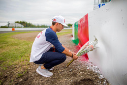 Pierre Gasly rinde un homenaje a Jules Bianchi