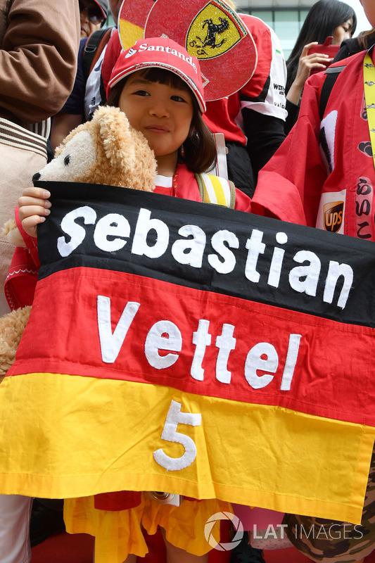 Уболівальник Себастьяна Феттеля, Ferrari