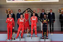 Riccardo Adami, Ferrari Race Engineer, Kimi Raikkonen, Ferrari, Sebastian Vettel, Ferrari and Daniel Ricciardo, Red Bull Racing