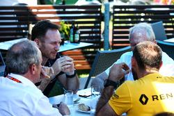 Christian Horner, jefe de equipo de carreras de Red Bull con el Dr. Helmut Marko, asesor de Red Bull Motorsport; Jérôme Stoll, Renault Sport F1 Presidente; y Cyril Abiteboul, Managing Director de Renault Sport F1