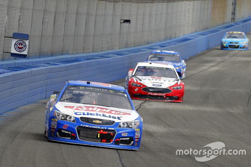 A.J. Allmendinger, JTG Daugherty Racing, Chevrolet; Brad Keselowski, Team Penske, Ford