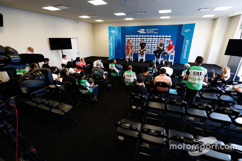 Nicki Shields, Jérôme d'Ambrosio, Dragon Racing, Adam Carroll, Jaguar Racing, y Felix Rosenqvist, Ma